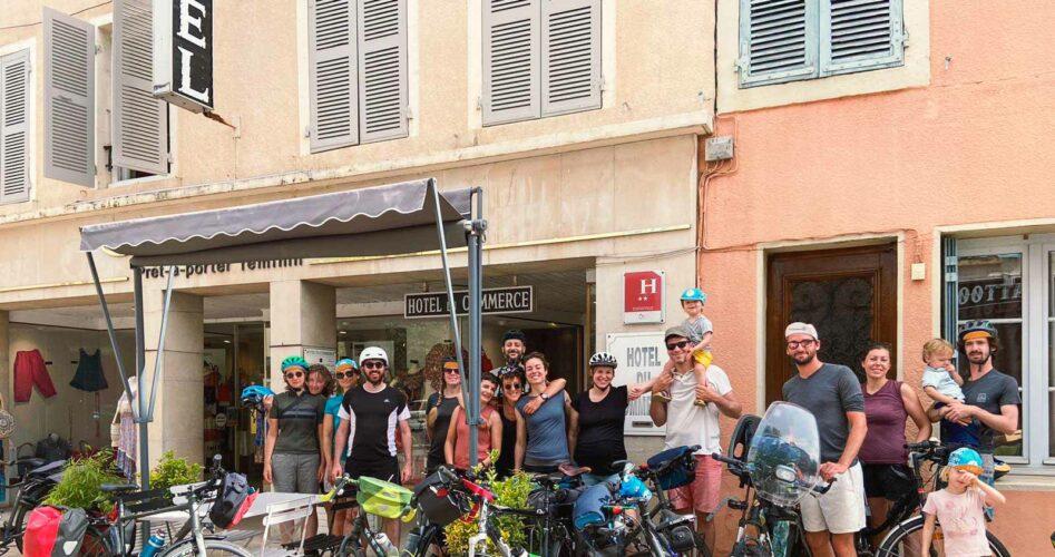 Participants au complet de l'édition 2021 du weekend vélo